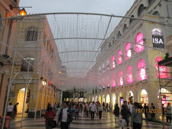 Largo do Senado (Senado Square): Xmas decorations at Senado square