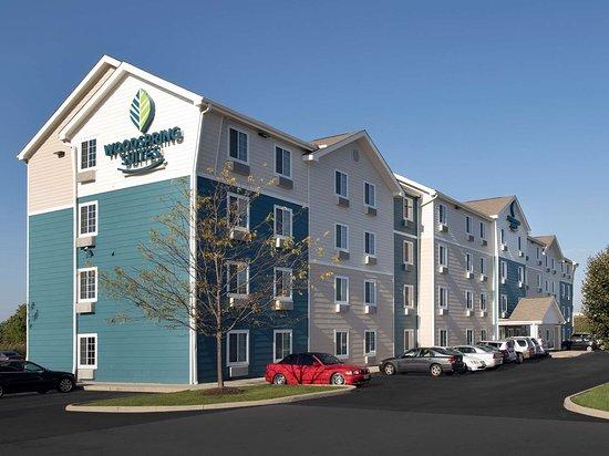 WoodSpring Suites Fayetteville Univ. of Arkansas Laundry Room