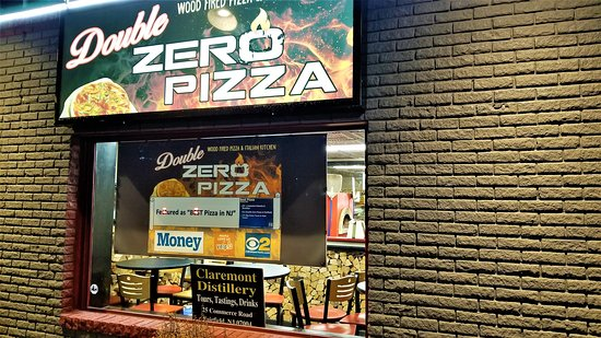Double Zero Wood Fired Pizza & Italian Kitchen: Exterior