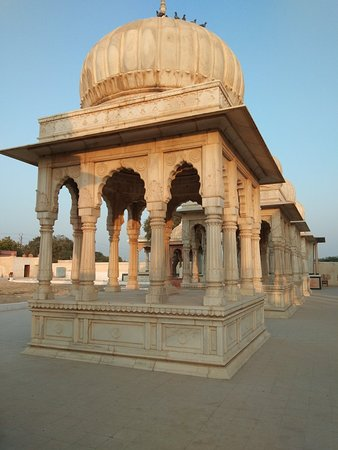 Advise show all tourist please go to visit on this place in Bikaner very interesting place call name Mool Sagar