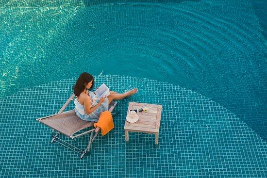 V Hotel Nha Trang: Pool