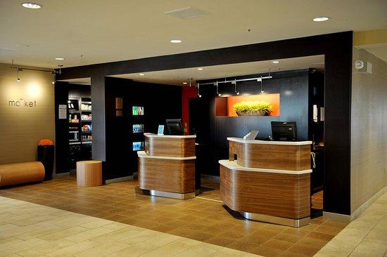 Μπέντφορντ, Τέξας: Lobby