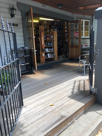 Cooks Hill Books and Records