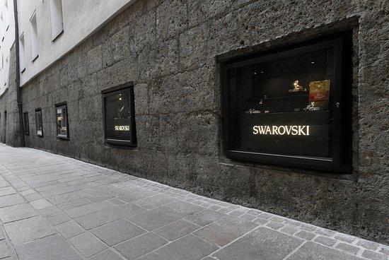 Инсбрук, Австрия: Außenansicht Swarovski Kristallwelten Store Innsbruck.