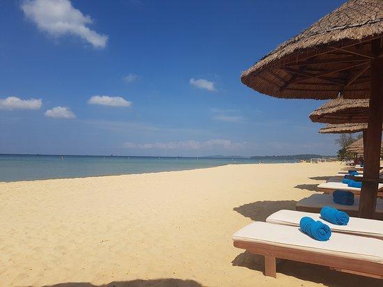 Radisson Blu Resort Phu Quoc: Clean, safe beach
