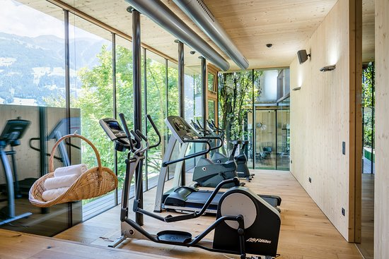 Gartenhotel Crystal: Work out & Fitness mit Gartenblick