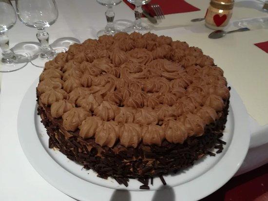 Champagne-Saint-Hilaire, France: Bavarois pour un anniversaire...