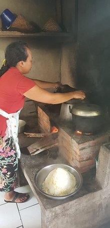 Traditional Balinese Cooking Class & Meal in a Multi-Generational Family Home: Cooking over traditional wood fired stove