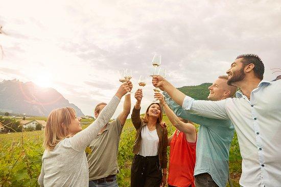 Yvorne, Switzerland: Balade et repas dans les vignes