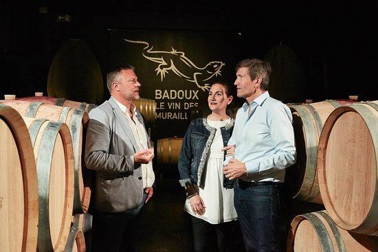 Yvorne, Switzerland: Dégustation des vins Badoux dans le chai
