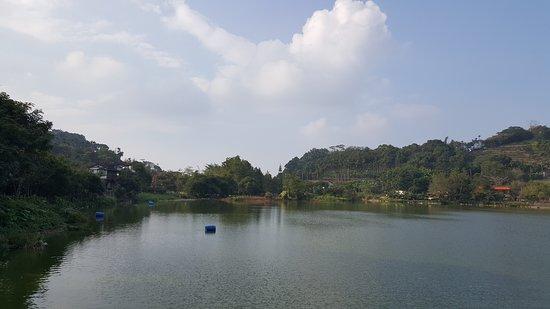 Ci lin Lake: 麒麟潭