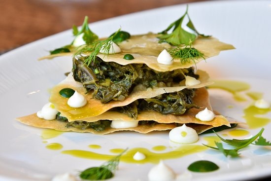 Zamos Cafe Bar Resto: Spinach pie, goat cheese, feta cheese, fresh herbs