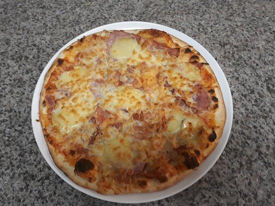 Aire-sur-la-Lys, Frankrike: Pizza auvergnate