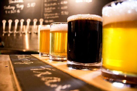 21 Brewpub Gallas Craft beer: Tasting tray