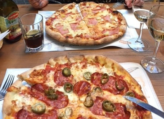 Fabryka Pizzy: Fantastic Pizza !! 29 Zsloty.... about £6.50