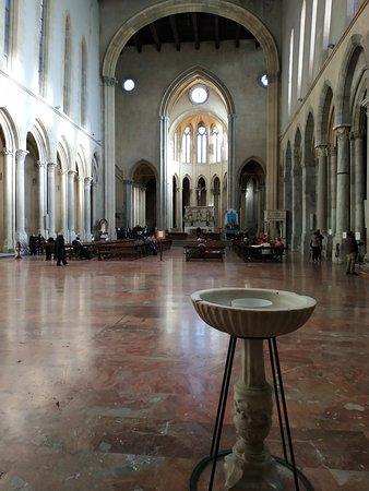 Nápoly, Olaszország: Interno Basilica