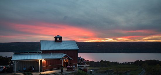 Burdett, NY: Brewpub with fantastic sunset photo by Allison Usavage.