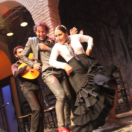 Museo del Baile Flamenco: I watched four Flamingo Dance show when first time visit Sevilla. Flamingo in museum, in bar, in restaurant and in theatre. Don't miss it!