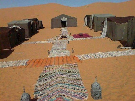 M'Hamid, Marokkó: Bivaouc in desert
