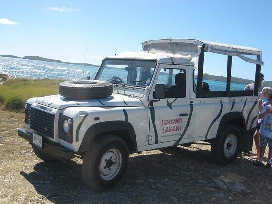 Cades Bay, Antigua: Jeep Safaris on Tour