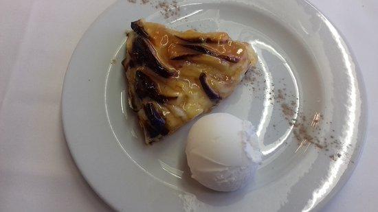 Eibar, España: Tarta de queso con helado