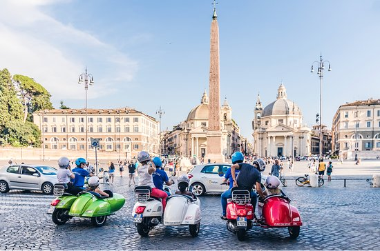 ‪Vespa Sidecar Tour in Rome‬