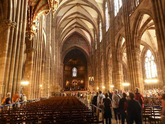 Cathedrale Notre Dame de Strasbourg: Nave
