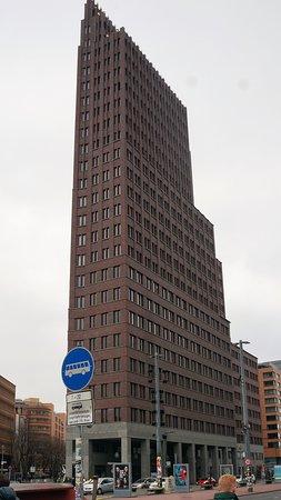Kohlhoff Tower: Kollhoff-Tower на Potsdamer Platz.