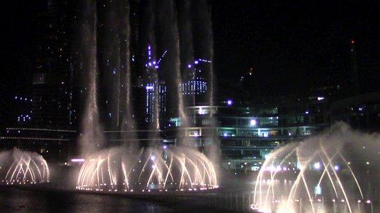 Дубайский торговый центр: esperienza entusiasmante