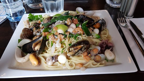 Can't remember the dish name but it was spaghetti with seafood and plenty of it!!!  Delicious.