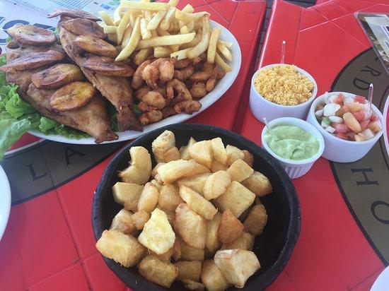 Vitoria, ES: Comida de praia