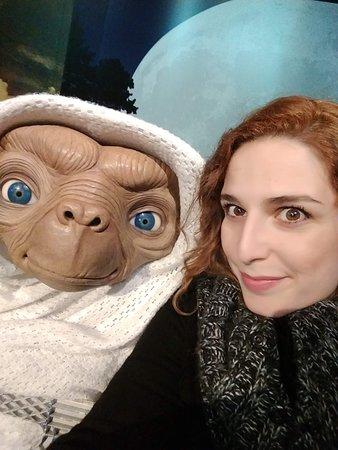 ET <3