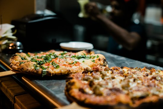 The Tap Room: Great Happy Hour prices! Pizza $5 off 4-6 daily