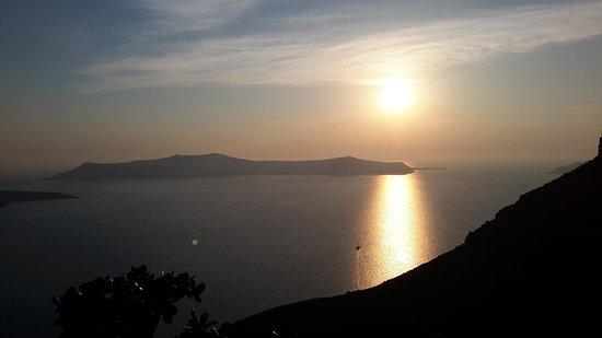 Santorini, Greece: Σαντορίνη. Το διασημότερο ηλιοβασίλεμα στον κόσμο.