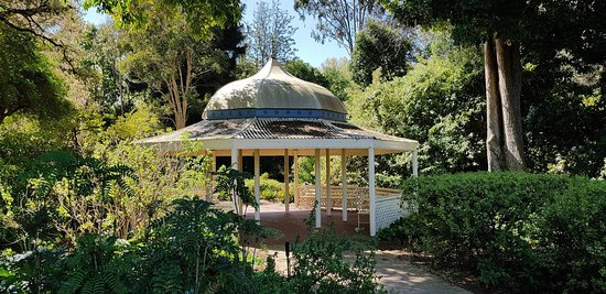 Adelaide Botanic Garden: The botanic garden and museum.