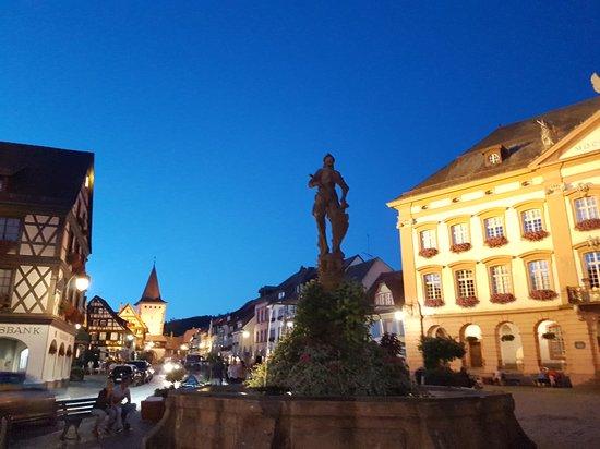 Historische Altstadt: plaza del Ayuntamiento