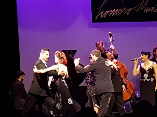 Esquina Homero Manzi Tango Show with Optional Dinner: The last dance