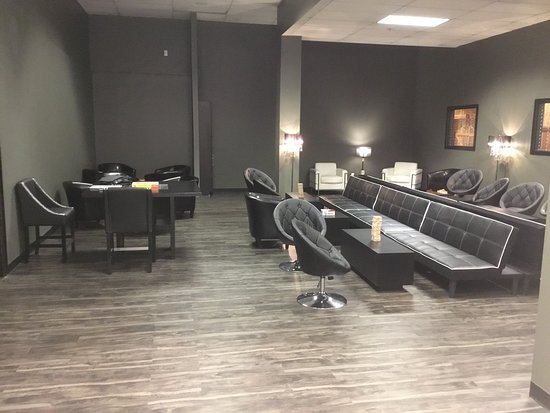 Headzup Vegas has so much to do in one location with its Museum, Escape Rooms, Archery Tag, and classes.  The Lounge area is perfect for relaxing, playing games, or private parties.!