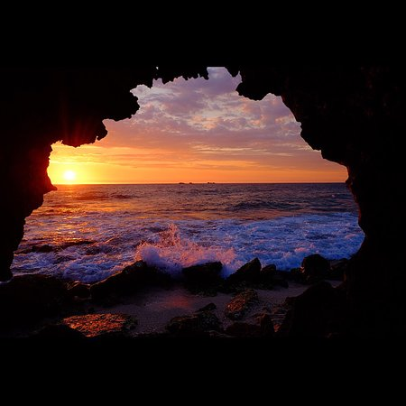 Having a travel mindset means exploring your own backyard. Burns Beach Is a northern beach in Perth, Western Australia