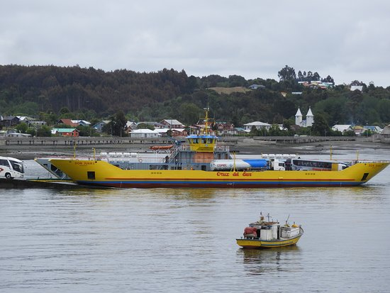 Chacao, Chile: One of the ferries presently connecting Chiloe to the mainland