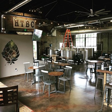 Sparta, TN: Happy Trails Brewing Company