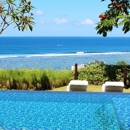 Imagine that you are being surrounded by this view in your villa, it surely can make your mind and soul feel better. All of our suite and villa come with this stunning view which perfects for a relaxing holiday.  BOOK your room now https://www.samabe.com/en/luxury-bali-villas/