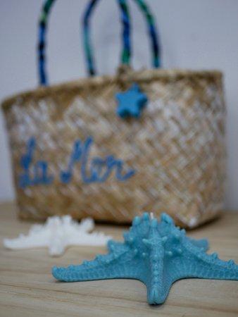 Handmade candles and vacoas bags