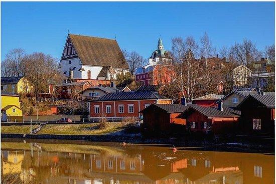 ヘルシンキ発、中世の面影残るポルヴォーへの半日プライベートトリップ