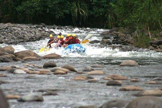 Tour de rafting en eau vive de la...