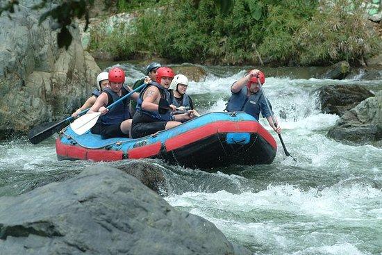 Aventura de rafting en las aguas...