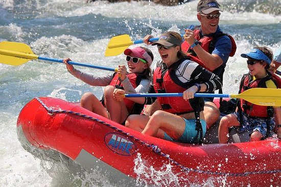 Clase III de medio día de rafting en...