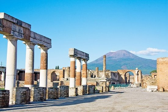Skip-the-Line Best of Pompeii in...
