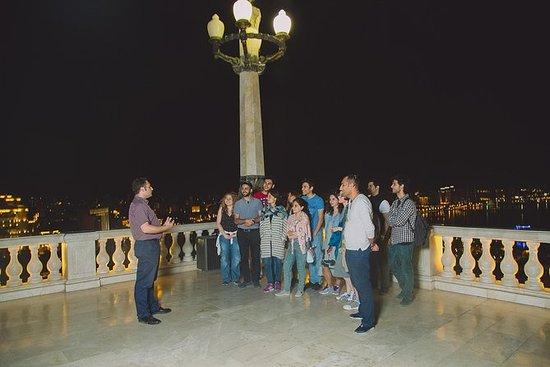 Baku in un tour panoramico notturno