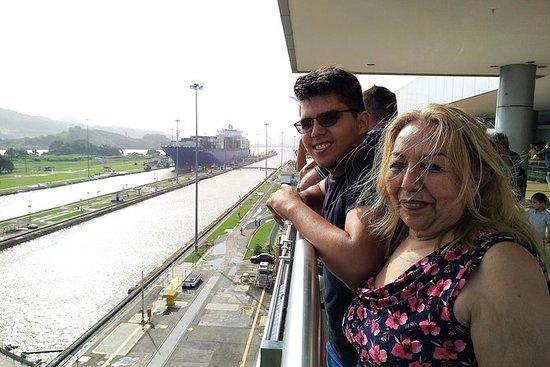Tour por el Canal de Panama...